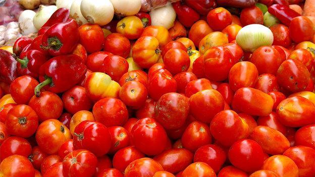 come mettere i pomodori in barattoli