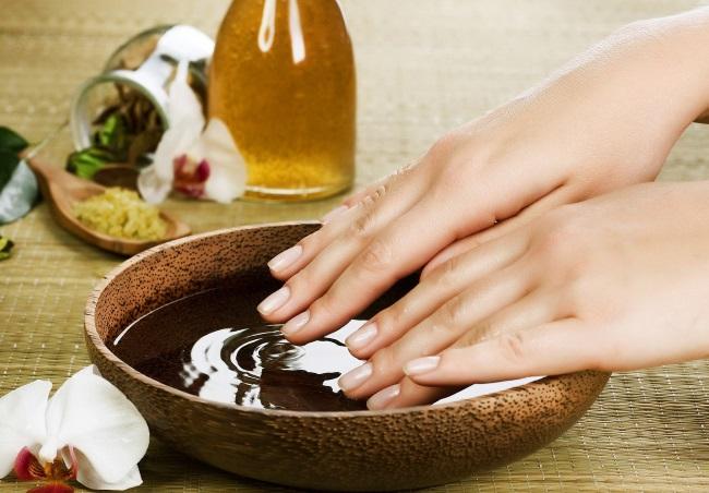 manicure calda a casa