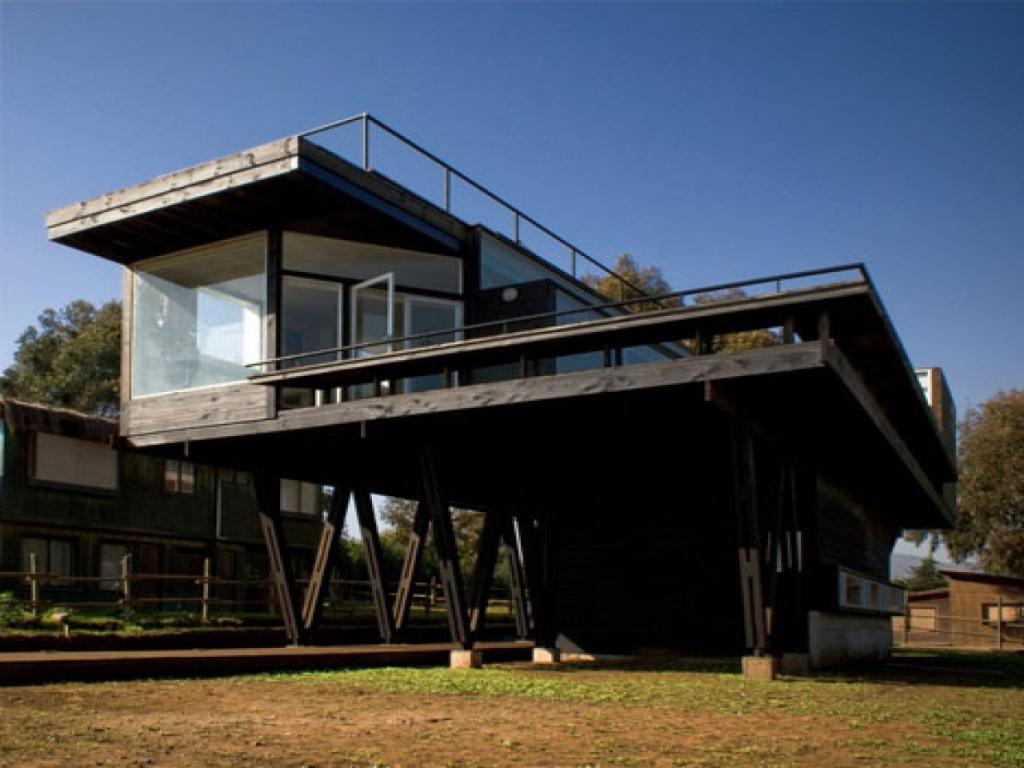 casa su pile di viti