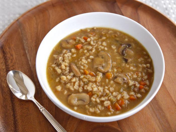 zuppa di funghi brodo di maiale