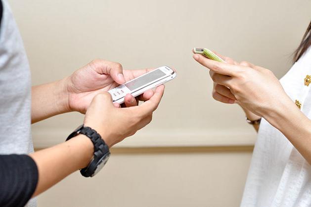 kaj pisati deklici v sms
