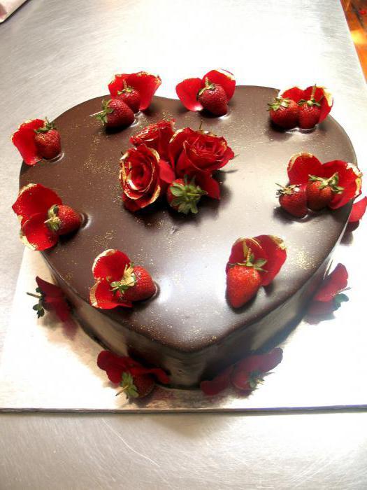 truskawka zdobione ciasto czekoladowe