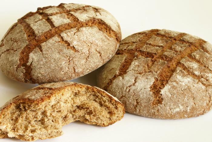 kolik kalorií v černém chlebu