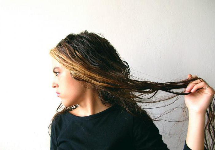 necessità di applicare l'olio di bardana sui capelli