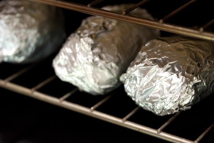 cuocere le patate al cartoccio nel forno