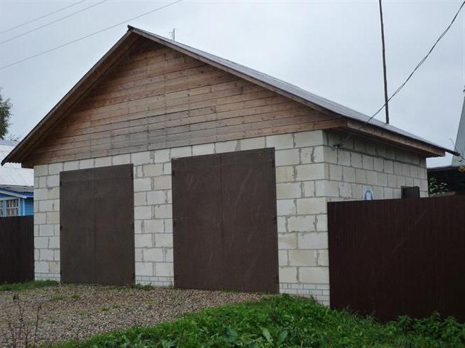 Izgradite garažu pjenastih blokova vlastitim rukama