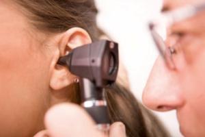 trattamento della congestione dell'orecchio