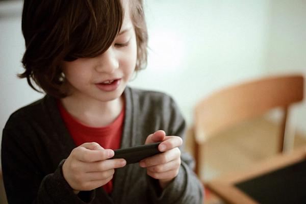 telefono per un bambino di 8 anni