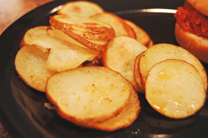 гарнитура от картофи и зеленчуци