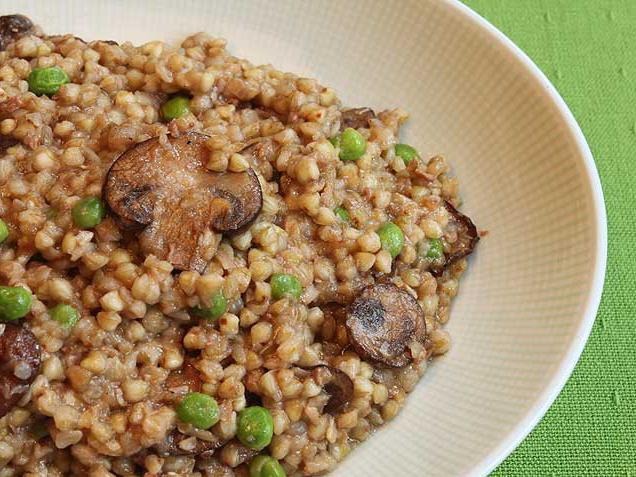 porridge di grano saraceno in acqua
