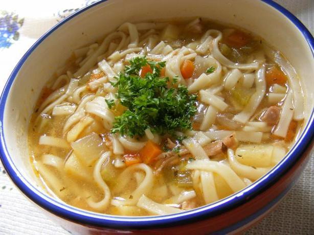 przepis na zupę z kurczaka z makaronem