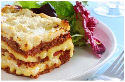 Gotowanie lasagne w domu