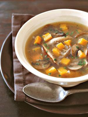 zupa z bulionu grzybowego