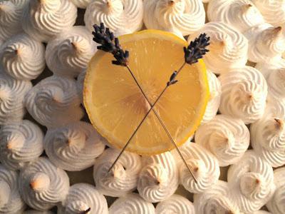 torta di meringa fatta in casa