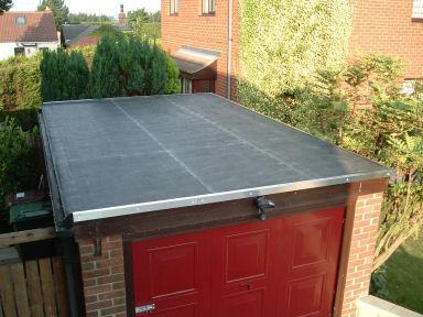 Lepší pokrytí střechy garáže.