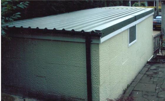 jak pokrýt garážovou střechu bikrost