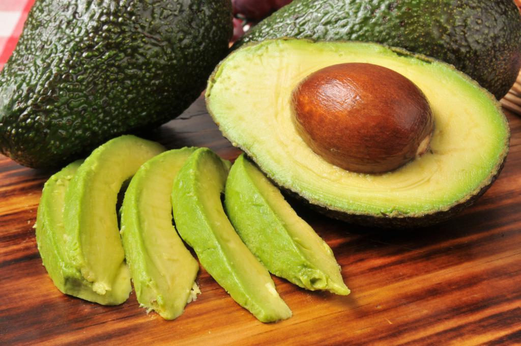како одредити зрелост авокада у продавници
