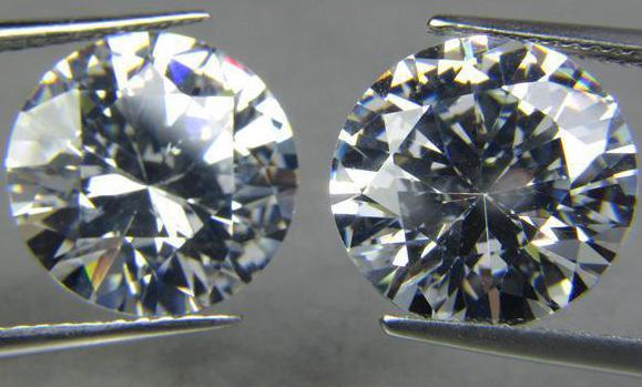 come distinguere la zirconia dai diamanti