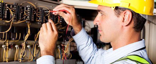 zakaj imajo električne naprave dvojno žico