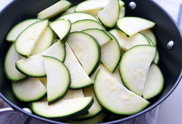 come congelare le zucchine per l'inverno