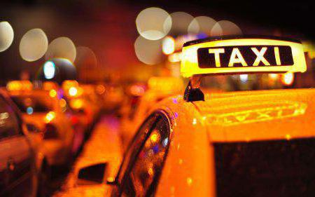 u autu nađite taksi
