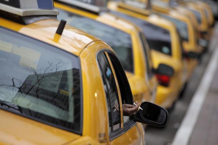 ], uđite u teretni taksi u njegovu automobilu