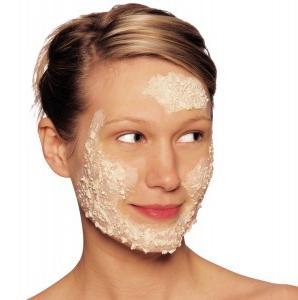 Come sbarazzarsi dei peli sul viso
