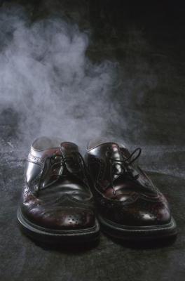 kako se znebiti vonja znoja v čevljih