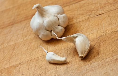 come far crescere l'aglio