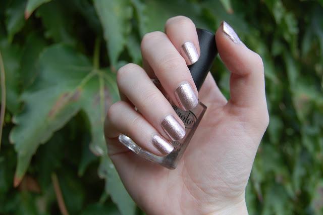 coltiva le unghie lunghe e veloci