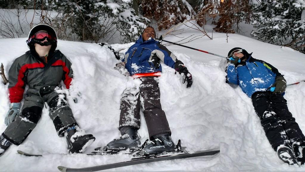 Come installare un attacco sugli sci da fondo?