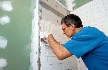 come posare le piastrelle in bagno