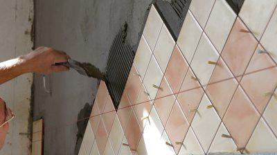 kako položiti ploščice na steno v kuhinji
