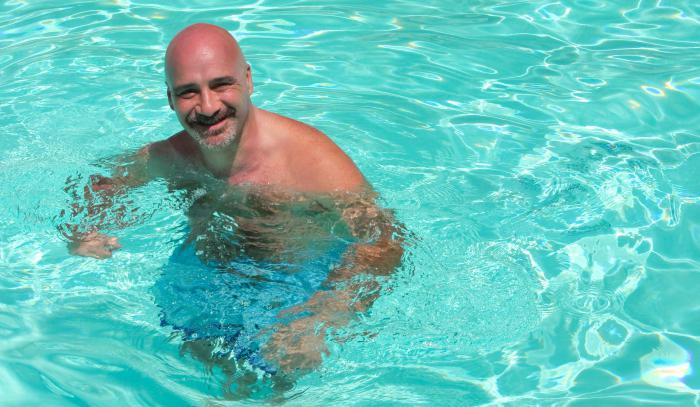 impara a nuotare adulto