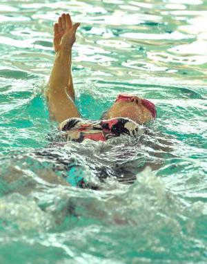 piscine dove agli adulti viene insegnato a nuotare