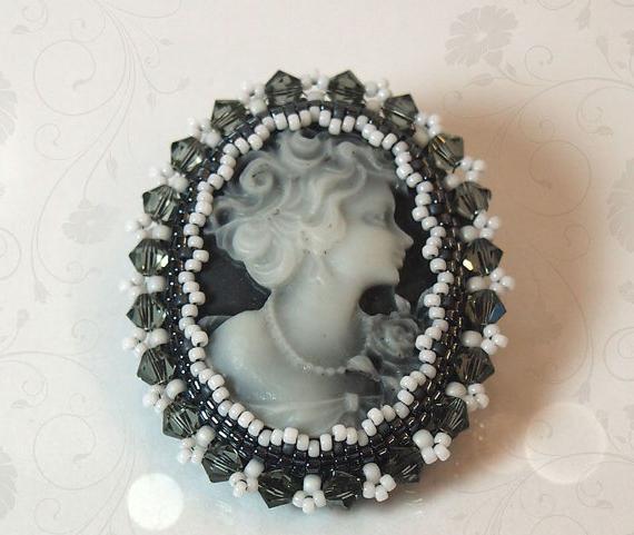 Modelli di spille di perline