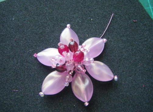 Spilla con spilla di perle