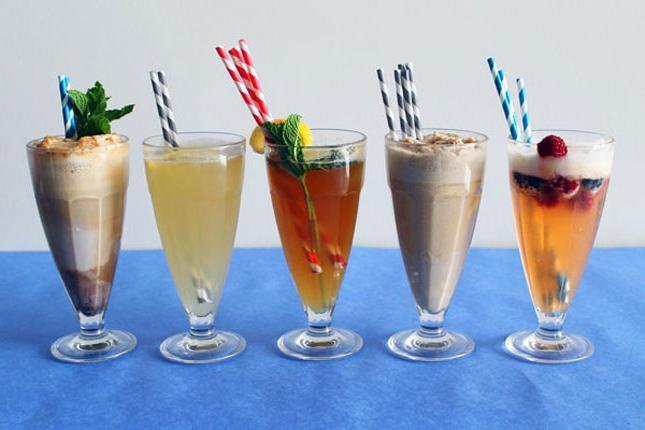 коктейл от сладолед и сок