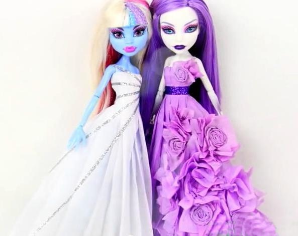 vestiti per bambole mostri alti