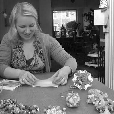 Ръчно изработена хартия оригами.