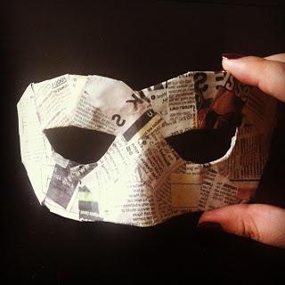 како направити карневалску маску