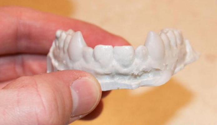 пластилинови вампирски зъби