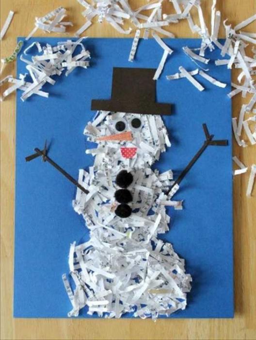 applicazione di pupazzo di neve in carta colorata