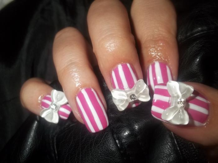 nail design con colori acrilici