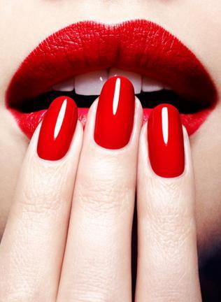 di che colore dipingere le unghie