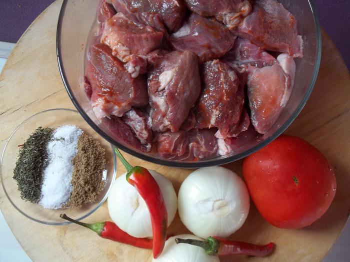 jak marynować szaszłyki wieprzowe z pomidorami