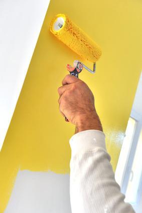 dipingere le pareti dell'appartamento