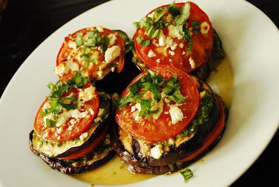 svinjetina s patlidžanima i rajčicama