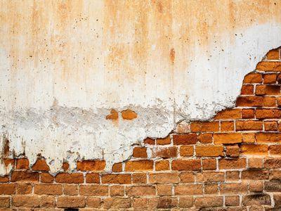 jak vyrovnat stěny tmelem