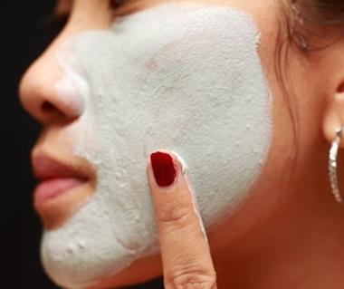 come rimuovere i punti dall'acne sul viso
